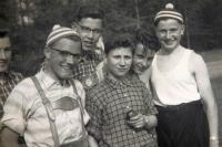 HohmannW_1953ca-Jugend-Radwallfahrt_Archiv-SchneiderFJ-WH-B-1